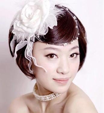 气质型短发新娘发型